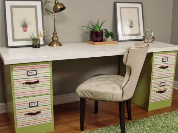 Easy and Cheap DIY Desk idea